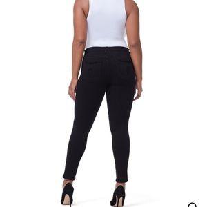 Good American Jeans - BNWOT Black Good American Maternity Jean